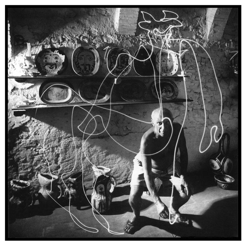 Pablo Picasso draws a centaur in the air Vallauris, France, 1949 Gjon Mili